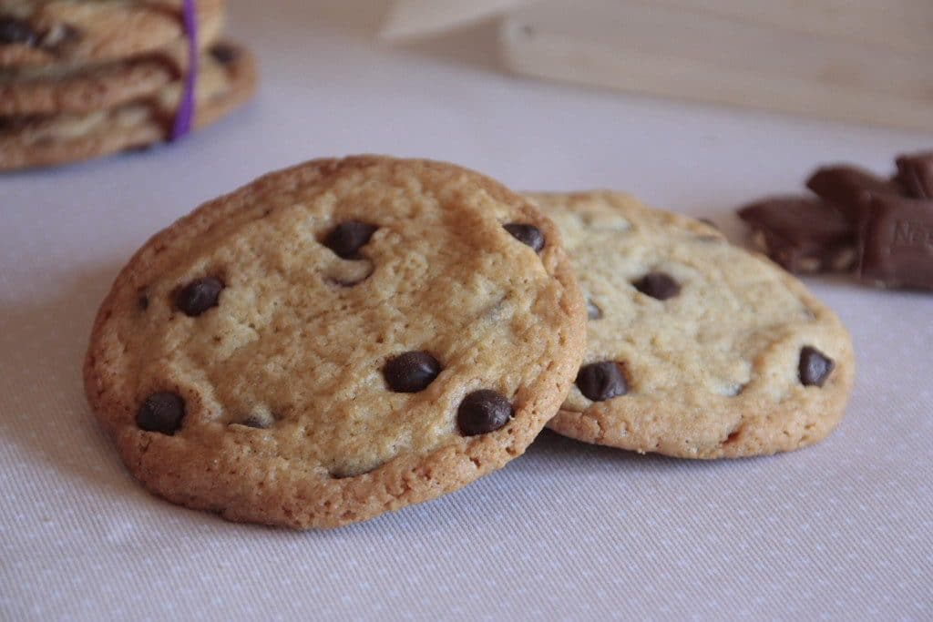 GALLETAS CON CHIPS DE CHOCOLATE (CHOCOLATE CHIP COOKIES)