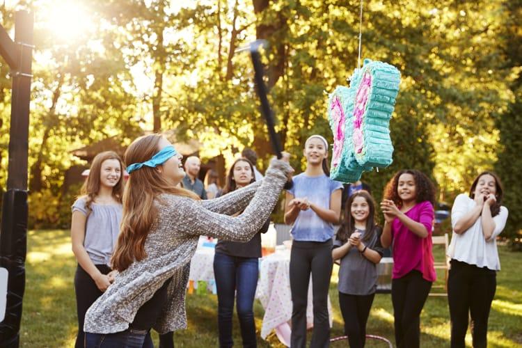 piñatas y niños