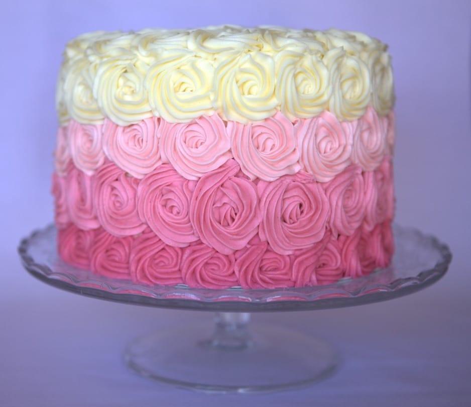 tarta degradada con rosas